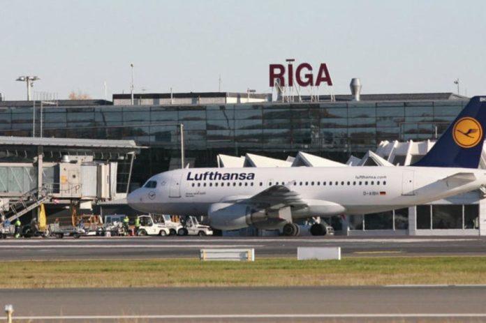 Аэропорт Риги исправил названия двух украинских городов - Kyiv и Lviv